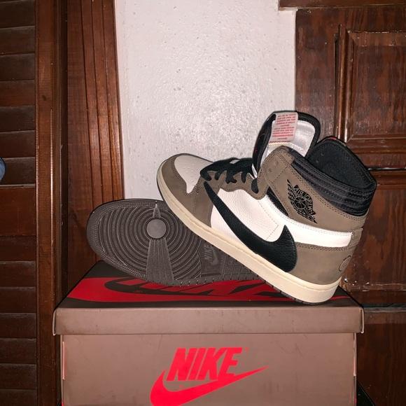 size 40 5dac9 48fde Travis Scott Nike Air Jordan 1 retro OG High NWT